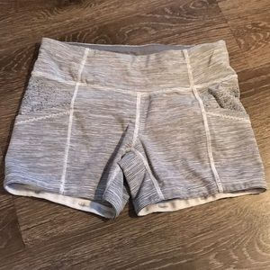 Lululemon Size 4 Running Short